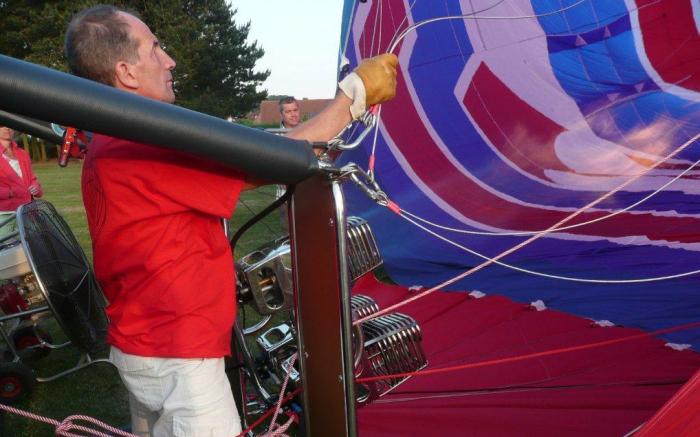 Votre pilote de montgolfière - Robert HAY